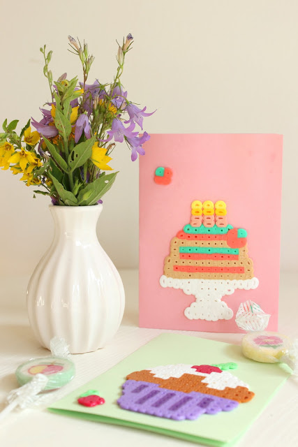 Glückwunschkarten mit Bügelperlen gestalten