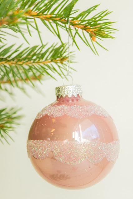 DIY - Weihnachtskugeln aufpimpen für den Tannenbaum