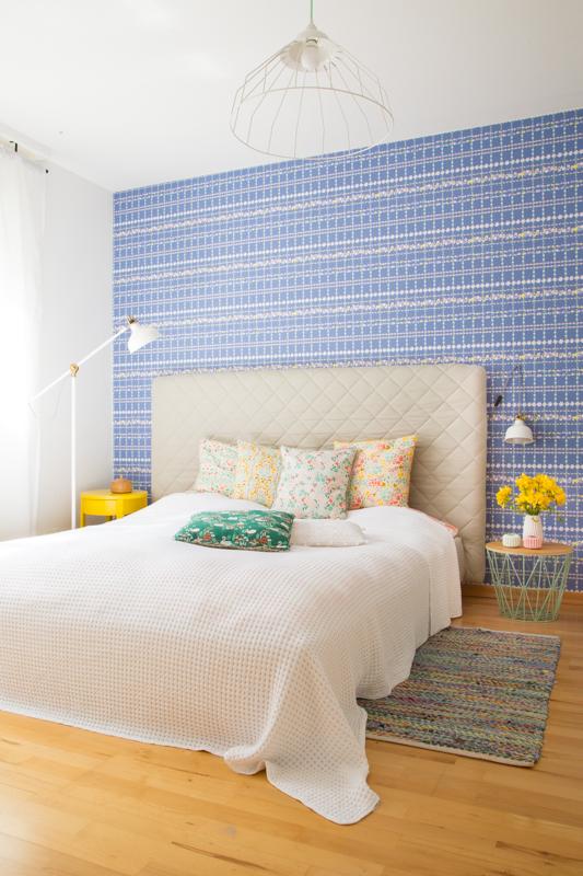 Neues Schlafzimmer + Tipps für das Einrichten mit farbigen Tapeten