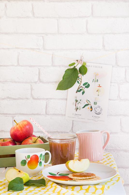 Keks am Stiel mit fruchtiger Apfelbutter
