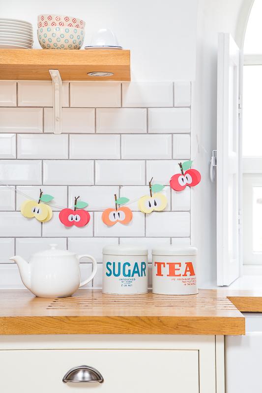 DIY - eine süße Girlande zur Apfelzeit basteln