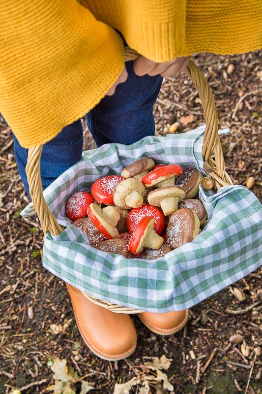 Herbstliche Pilz Kekse mit Haselnuss