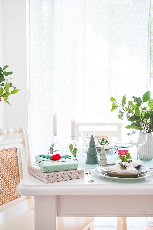 es wird weihnachtlich einfache diy ideen f r die tischdekoration pfefferminzgr n. Black Bedroom Furniture Sets. Home Design Ideas