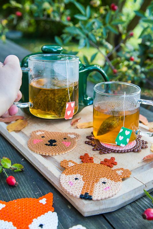 Herbst DIY - tierisch süße Untersetzer aus Bügelperlen